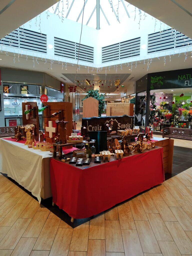 Boutique artisanale en Savoie.  Croix de Savoie Décoration